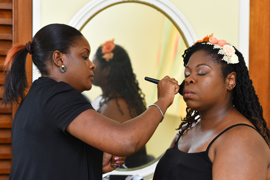 You visit this website because you are getting married and you want a professional Jamaica wedding hairstyles or makeup artist, we can help you look your best by making sure you get the perfect look depending on your skin tone, dress and hairstyles. Not every makeup style may work for you , make up style change with time