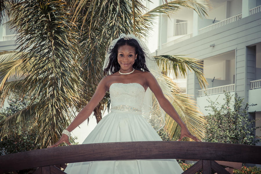 There are many excellent and reasonable wedding photographers in Jamaica