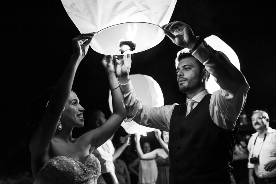 Organizing your important wedding in order to get perfect wedding pictures is extremely important. It will be challenging for a bride to appear relaxed in a strenuous condition. In an effort to make your wedding photos comfortable and enjoyable,